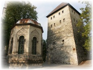 Ottoman_Turbe_and_Captains_Tower_Bihac
